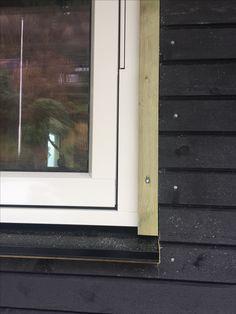 Vindu window utvendig listverk kledning Windows, House, Home, Homes, Ramen, Houses, Window
