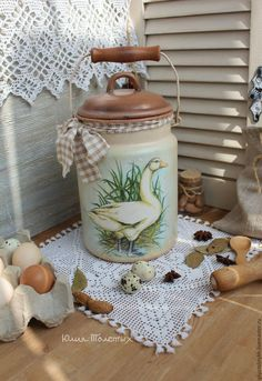 Painted Milk Cans, Vintage Milk Can, Rooster Kitchen Decor, Duck Art, Decoupage Art, Wooden Animals, Tole Painting, Metallic Paint, Porch Decorating