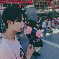 """""""Sometimes people are beautiful. Not in looks."""" — Mark Zusak, I am the Messenger - - - - Cr,to… Cute Asian Guys, Cute Korean, Korean Men, Asian Boys, Asian Men, Korean Boys Ulzzang, Ulzzang Couple, Ulzzang Boy, Korean Girl"""