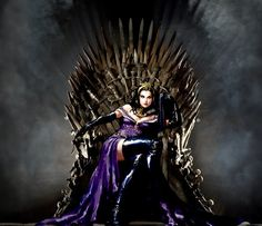 Liliana Constantine Comic, Mtg Art, Iron Throne, Fairytale Art, Dark Anime, People Sitting, Dark Beauty, Magic The Gathering, Halloween Costumes