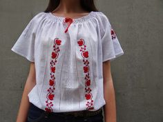 Mexican Shirts, Traditional Outfits, Diy And Crafts, Cross Stitch, Embroidery, Handmade, Clothes, Victoria, Fashion