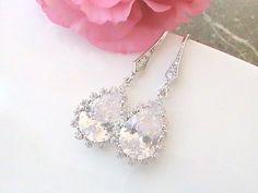 A little sparkle goes a long way in weddings! http://arnd.co/GuRmH #etsymntt  #wedding #earrings #bridal #gift