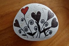 ~ pebbles from Portugal, hand painted by Sabine Ostermann~