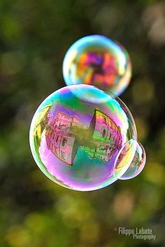 An echo in a bubble. The reflection in the bubble is of a beautiful building reflected in a lake. Blowing Bubbles, Macro Photography, Amazing Photography, Cool Pictures, Cool Photos, The Rolling Stones, Bubble Balloons, Soap Bubbles, All Nature