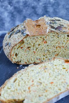 Yogurt and carrot bread without yeast Bread Without Yeast, No Yeast Bread, Yeast Bread Recipes, Bread Baking, Naan, Homemade Sandwich Bread, Yogurt Recipes, Easy Bread, Artisan Bread