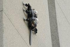 RiSE: карабкающийся робот