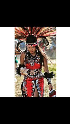 Danza de mi princess Warrior Outfit, Aztec Warrior, Native American Girls, American Indians, Aztec Costume, Powwow Regalia, Mexico Art, Aztec Art, Aztec Designs