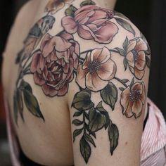 #tattoo #flower #flowertattoo #naturetattoo #tattooed #ink #inked #inkart #tattooart #tattoolife #tattoolove #tattoopassion #lamoglietatuata