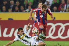 Bayern chia điểm vất vả trên sân khách