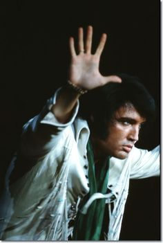 Hands in the air, Elvis.