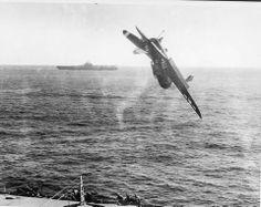 Curtiss Helldiver crashing.
