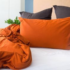 Gloriously comfy and super chic, these fitted sheets are a must have! T-Shirt cotton is not woven like regular linen and thus iron-free - available on KNUS Bold Colors, Colours, Scandinavian Interior, Sleepover, Good Night Sleep, Bean Bag Chair, Pillow Cases, Comfy, Bedding