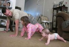 Funny pictures about Family military training. Oh, and cool pics about Family military training. Also, Family military training photos. Hilarious, Funny Memes, Funny Captions, Lmfao Funny, Meme Meme, Funny Dad, Fun Funny, Military Training, Family Fitness
