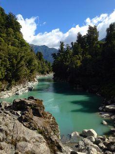 Glacial turquoise water in Hokitika Gorge, New Zealand