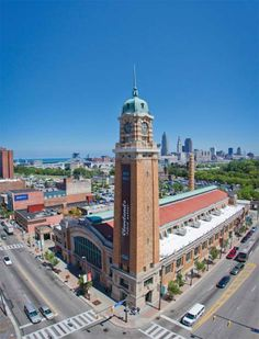 EDIBLE TRADITIONS: WESTSIDE MARKET  A Cleveland Tradition for 100 Years