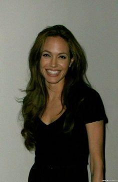 i heart brangelina Angelina Jolie Photos, Angelina Jolie Makeup, Brad Pitt And Angelina Jolie, Pretty People, Beautiful People, Beautiful Women, Beautiful Celebrities, Veronica Lake, Hollywood
