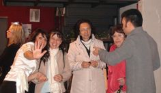 Durante l'apericena: a sinistra Lorena De Nardi, voce del trio malAcorda