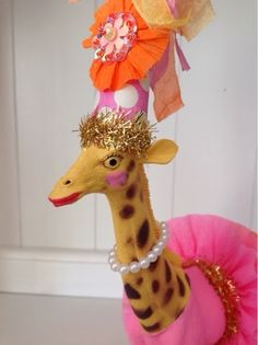 The Vintage Goose, giraffe, circus, party, Diy Party Animals, Animal Party, Plastic Animal Crafts, Plastic Animals, Upcycled Crafts, Diy And Crafts, Arts And Crafts, Circus Party, Circus Wedding