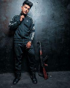 Jass Manak Joker Iphone Wallpaper, Swag Boys, Boys Dpz, Conor Mcgregor, Leather Pants, Sporty, Punk, Actors, Singers