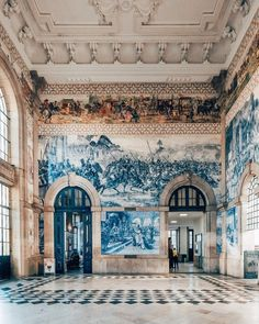 calmness at the station Estação São Bento Art Et Architecture, Beautiful Architecture, Beautiful Buildings, Beautiful Places, Voyage Europe, Adventure Is Out There, Oh The Places You'll Go, Interior And Exterior, Around The Worlds