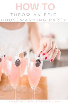 How to Throw a Housewarming Party: The best entertaining ideas from food and drink, to decorations. 10 easy steps to throwing a housewarming party. party food 10 Easy Steps to Throwing a Housewarming Party Housewarming Party Themes, Housewarming Food, Apartment Party, Vodka, Party Drinks, Party Games, Party Party, Party Planning, At Least