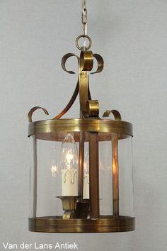 Ronde lantaarn 26013 bij Van der Lans Antiek. Meer antieke lampen op www.lansantiek.com