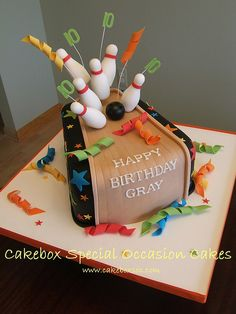 Bowling birthday cake, I will do this for Jackson if he is still crazy about bowling come August!