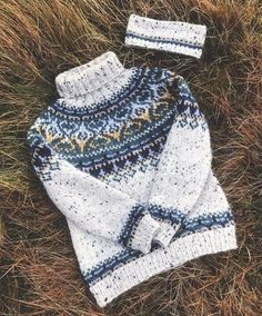 Icelandic Sweaters, Fair Isle Knitting Patterns, Current Fashion Trends, Knitted Hats, Knit Crochet, Winter Hats, Tweed, Wool, Color Patterns
