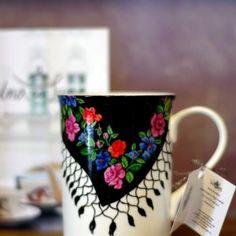 """Cana de porțelan """"Una ca Luna"""" I Love Coffee, My Coffee, Coffee Cups, Cafetiere, Cuppa Tea, Cute Mugs, Mug Cup, Cup And Saucer, Tea Pots"""