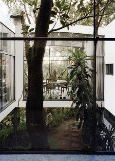Lina Bo Bardi - Casa de Vidrio (glass house), Sao Paulo 1951