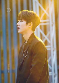 ikon hanbin B.i Yg Ikon, Kim Hanbin Ikon, Ikon Kpop, Chanwoo Ikon, Yg Entertainment, Bobby, Ikon Leader, Ikon Wallpaper, I Miss Him