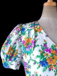 【送料無料】ロンドン買い付け 70年代製 Betty Barclay ホワイト X カラフル花柄 パフスリーブ ワンピース 16OM828【ヨーロッパ古着】