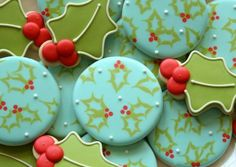 Wet-on-Wet Holly Cookies