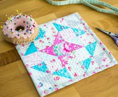 Monthly Mini Quilts for January! {free mini quilt pattern + giveaway}