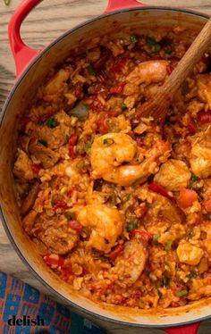 cajun cooking This jambalaya recipe from practically overflows with the flavors of Louisiana. Creole Recipes, Cooking Recipes, Donut Recipes, Recipies, Cajun Shrimp Recipes, Seafood Recipes, Easy Cajun Recipes, Jambalaya Cajun, Restaurants