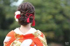 【2018年版】和装ヘア♡白無垢・色打掛に合った洋髪まとめ** | 結婚式準備はウェディングニュース Modern Hanbok, Japanese Hairstyle, Aiko, Kimono Dress, Hair Ornaments, Traditional Outfits, Traditional Japanese, Bridal Hair, Wedding Hairstyles