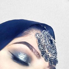 What do you think of these navy blue eyes with a bunch of glitter? 💙 PRODUCTS USED: - eyebrow pomade in medium brown - naked Smokey palette - Electric obession palette - Warm Brown obsession palette - glitter eyeliner in silver city - liquid eyeliner -- Essence Cosmetics, Silver City, Glitter Eyeliner, Makeup Forever, Medium Brown, Makeup Junkie, Huda Beauty, Makeup Addict, Blue Eyes