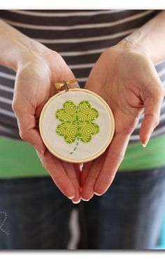 Shamrock Hoop Art ~ Sugar Bee Crafts