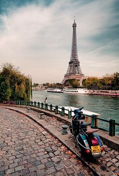 Eiffel Tower in Paris / Tour Eiffel Places Around The World, Oh The Places You'll Go, Travel Around The World, Places To Travel, Places To Visit, Around The Worlds, Paris France, Oh Paris, Paris City