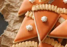 Mini Pumpkin Pie Slice Cookies - The Sweet Adventures of Sugar Belle Mini Pumpkin Pies, Mini Pumpkins, Mini Pies, Pumpkin Spice, Best Thanksgiving Recipes, Thanksgiving Cookies, Fall Cookies, Thanksgiving Desserts, Holiday Desserts