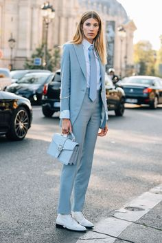 Streetstyle | Fashion | Suit up | Blue babe | More on Fashionchick.nl