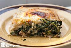 Deliciosa lasaña de pollo y espinacas, ideal para un día como hoy http://www.recetasderechupete.com/lasana-de-pollo-y-espinacas/12259/ #lasaña #espinacas y #pollo