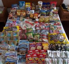MRE's enjoy unending popularity within prepper folds, although sometimes the issues – weight, waste, size, and expense – lead us to looking for alternatives. Palatability is another common kicker f… Emergency Preparedness Food Storage, Ammo Storage, Fig Bars, Power Bars, Hiking Food, Camping Meals, Protein Shakes, Pop Tarts, Alternative