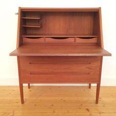 PPs Vintage Design | HJN mobler secretary Secretary, Scandinavian Design, Vintage Designs, Storage, Table, Furniture, Home Decor, Purse Storage, Decoration Home