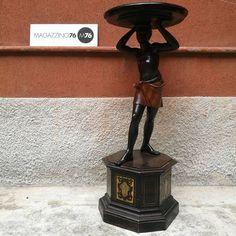 Un moro. Colonnina in legno ebanizzato con gonnellino polocromo. Ottime le condizioni Epoca 800 Misure su richiesta #magazzino76 #viapadova76 #M76 #milano #nolo #modernariato #antiquariato #vintage #design #restauromobili #mobili #arredamento #colonnina #moro #arredoclassico #comprodesign #acquistodesign #acquistomodernariato #comprovintage #compromodernariato #acquistovintage