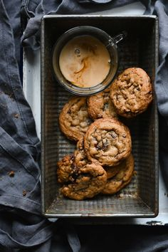 Just Desserts, Delicious Desserts, Yummy Food, Tasty, Cookie Recipes, Dessert Recipes, Chocolate Bourbon, Chewy Chocolate Chip Cookies, Oatmeal Cookies