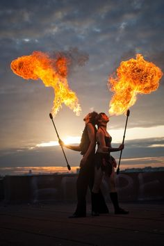 Fire poi, fire breathing & bellydancing as reception entertainment