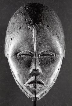 Helmet Mask Date: 19th–mid-20th century Geography: Côte d'Ivoire or Liberia Culture: Dan peoples Medium: Wood, pigment Dimensions: 31.4 x 19.1 x 23.8 cm