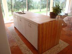 cocina fabricada con tablas de plastico reciclado Recycled Plastic Furniture, Recycling, Kitchen, Home Decor, Boards, Upcycling, Kitchens, Furniture, Cooking