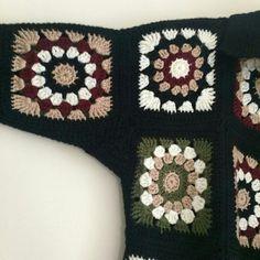 Pull Crochet, Crochet Coat, Bead Crochet, Crochet Clothes, Crochet Jacket Pattern, Granny Square Crochet Pattern, Crochet Designs, Crochet Patterns, Free Knitting Patterns For Women